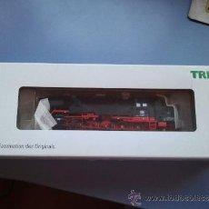 Trenes Escala: MAQUINA DE TREN TRIX H0 REFERENCIA 22817 NUEVA. Lote 39042065
