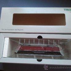 Trenes Escala: MAQUINA DE TREN TRIX H0 REFERENCIA 22174 NUEVA EN CAJA. Lote 39042122