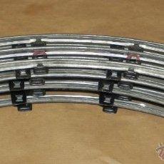 Trenes Escala: LOTE DE 7 VIAS CURVAS DE TREN, DE PAYA ESCALA 0, TODAS DE CHAPA - MIDEN 35 CMS. DE LONGITUD - CURVAS. Lote 38286022