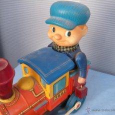 Trenes Escala: MÁQUINA DE TREN 3681 CON MQUINISTA. JAPÓN. Lote 42701705