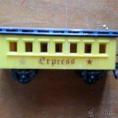 Trenes Escala: TREN PLASTICO , EXPRES , FALTAN ALGUNOS TROCITOS BARANDILLA . Lote 46889283