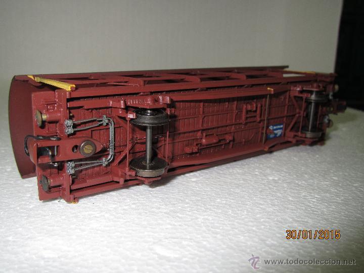 Trenes Escala: Vagón Plataforma Transporte de Vehiculos de Cia. Suiza BLS Escala *H0* de METROPOLITAN SWITZERLAND - Foto 2 - 47494655