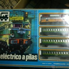 Trenes Escala: ANTIGUO TREN PEQUETREN CON TRES VAGONES.SAINSA. Lote 48545414