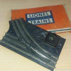 Trenes Escala: ANTIGUO CAMBIO DE VIAS DEL TREN LIONEL EN SU CAJA ORIGINAL. Lote 55226345