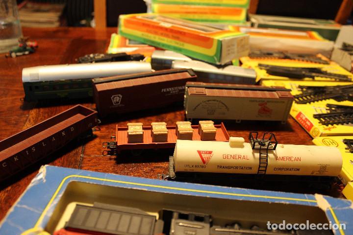 Trenes Escala: Enorme lote de trenes, vagones, vias catalogos escala h0 tren locomotora via maquina catalogo - Foto 2 - 81509088