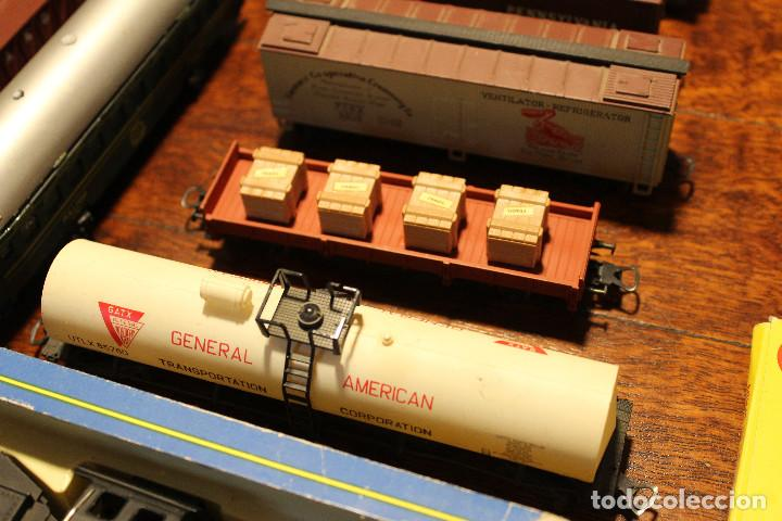 Trenes Escala: Enorme lote de trenes, vagones, vias catalogos escala h0 tren locomotora via maquina catalogo - Foto 3 - 81509088