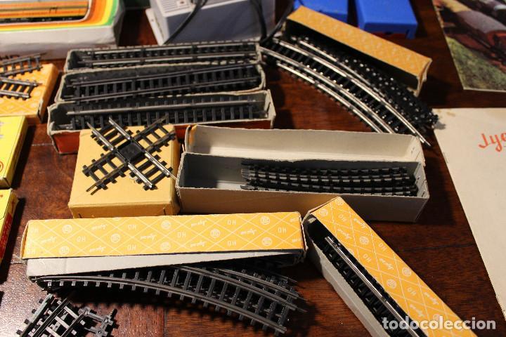 Trenes Escala: Enorme lote de trenes, vagones, vias catalogos escala h0 tren locomotora via maquina catalogo - Foto 16 - 81509088