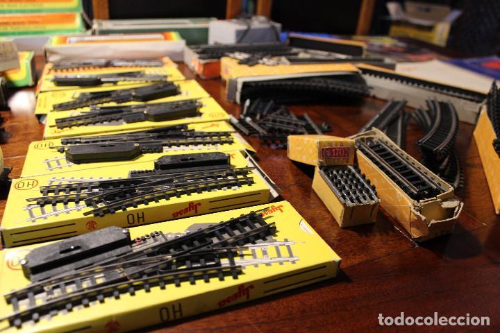 Trenes Escala: Enorme lote de trenes, vagones, vias catalogos escala h0 tren locomotora via maquina catalogo - Foto 17 - 81509088