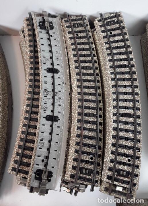 Trenes Escala: GRAN LOTE DE 235 VIAS MARKLIN Y ELECTROTEN. METAL. ESCALA H0. CIRCA 1960 (VER DESCRIPCION) - Foto 17 - 91430285