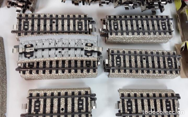 Trenes Escala: GRAN LOTE DE 235 VIAS MARKLIN Y ELECTROTEN. METAL. ESCALA H0. CIRCA 1960 (VER DESCRIPCION) - Foto 21 - 91430285