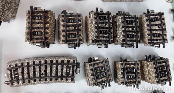 Trenes Escala: GRAN LOTE DE 235 VIAS MARKLIN Y ELECTROTEN. METAL. ESCALA H0. CIRCA 1960 (VER DESCRIPCION) - Foto 24 - 91430285