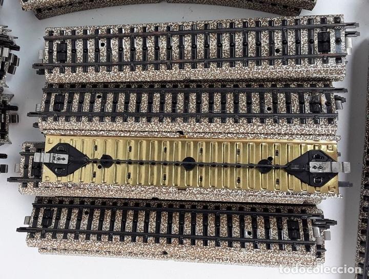 Trenes Escala: GRAN LOTE DE 235 VIAS MARKLIN Y ELECTROTEN. METAL. ESCALA H0. CIRCA 1960 (VER DESCRIPCION) - Foto 29 - 91430285