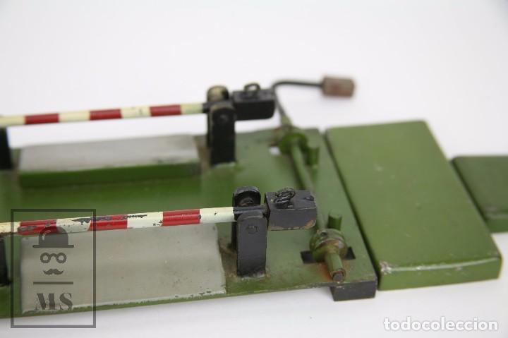 Trenes Escala: Antiguo Paso a Nivel de Metal para Maqueta de Tren - Años 40-50 - Medidas 18 x 13 x 4 cm - Foto 3 - 94859431