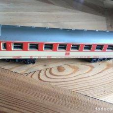 Trenes Escala: VAGON LIMA DE PLÁSTICO COLO ROJO Y GRIS. TRAIN WAGON, BRAND:LIMA, PLASTIC RED AND GREY COLOR. Lote 51718888