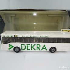 Trenes Escala: AUTOBUS MERCEDES BENZ DEKRA FALLER CAR SYSTEM 1626 ESCALA 1:87 H0. Lote 95884259