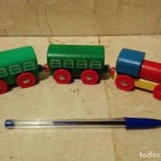 Trenes Escala: MAQUINA Y 2 VAGONES - TREN DE MADERA Y IMANES - TRENES. Lote 97818667