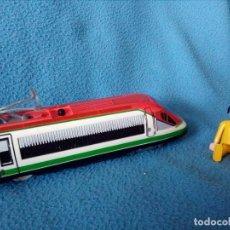 Trenes Escala: MAQUINA DE TREN A PILAS.FUNCIONA.. Lote 102174915