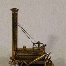 Trenes Escala: LOCOMOTORA EL COHETE - STEPHENSON'S ROCKET 1829. Lote 102285751