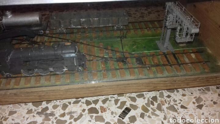 Trenes Escala: Antigua vitrina con estación de tren - Foto 4 - 105851167