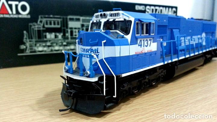 Trenes Escala: Locomotora Kato EMD SD70MAC Conrail #4137 Escala H0 - Foto 3 - 106677023