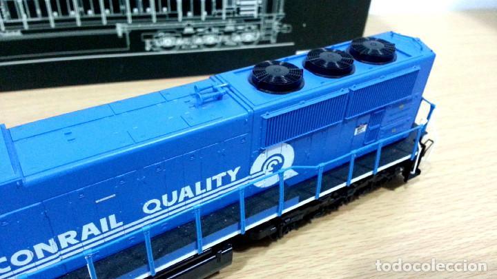 Trenes Escala: Locomotora Kato EMD SD70MAC Conrail #4137 Escala H0 - Foto 4 - 106677023