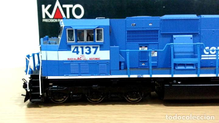 Trenes Escala: Locomotora Kato EMD SD70MAC Conrail #4137 Escala H0 - Foto 5 - 106677023