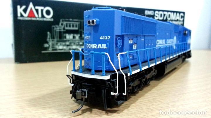 Trenes Escala: Locomotora Kato EMD SD70MAC Conrail #4137 Escala H0 - Foto 8 - 106677023