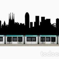 Trenes Escala: TRANVIA DE BARCELONA EN SKYLINE DE LA CIUDAD TAMAÑO 1,50 METROS X 25 CM. VER INTERIOS. Lote 111163283