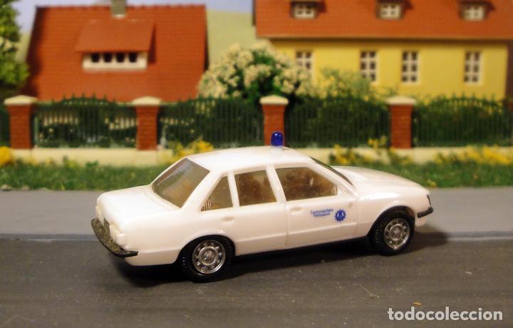 Trenes Escala: Opel record berlina 2.0E policía. De herpa - Foto 2 - 112741831