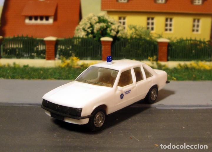 Trenes Escala: Opel record berlina 2.0E policía. De herpa - Foto 3 - 112741831