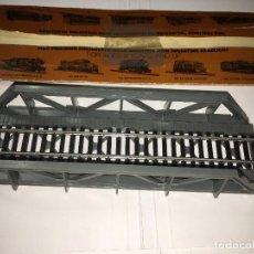 Trenes Escala: PUENTE DE TREN TYCO H0. Lote 117971607