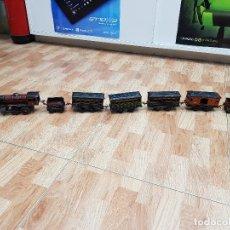 Trenes Escala: TREN 896 COMPLETO LOCOMOTORA + TENDER + VAGONES + VIAS. Lote 118297431