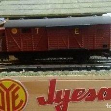 Trenes Escala: VAGON MERCANCIAS CUBIERTO CON GARITA JYESA SERIE 1500. Lote 122235483