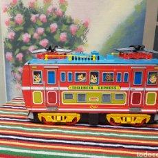 Trenes Escala: LOCOMOTORA GRANDE DE HOJALATA EXPRESS 439 TREN. Lote 124574150