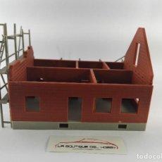 Trenes Escala: CASA EN CONSTRUCCION PARA DECORAR MAQUETA DE TREN ESCALA H0. Lote 129090467