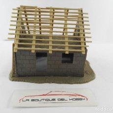 Trenes Escala: CASA EN CONSTRUCCION PARA DECORAR MAQUETA DE TREN ESCALA H0. Lote 129220627