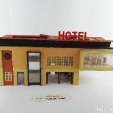 Trenes Escala: AMS SPORT HOTEL FALLER B-4921 PARA DECORAR MAQUETA DE TREN ESCALA H0. Lote 129717223
