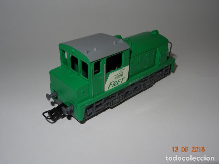 Trenes Escala: Antigua Locomotora Diesel de Maniobras en Escala *H0* de JOUEF - Año 1980s. - Foto 4 - 133379506
