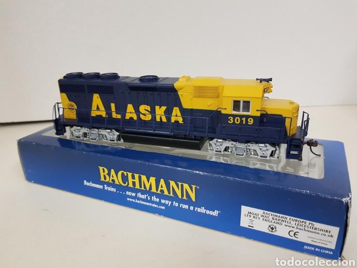 Trenes Escala: Locomotora Bachmann 63510 Alaska diésel escala H0 corriente continua azul y amarilla 20CMS - Foto 6 - 137521141