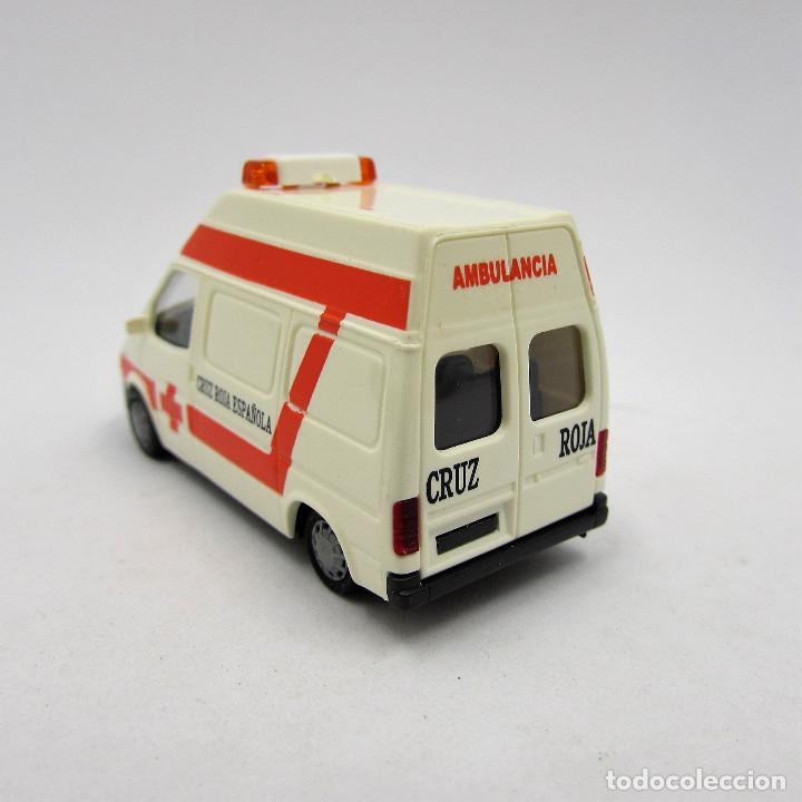 1//87 Rietze Ford Transit 2000 Ambulancia Spanien SP 51063