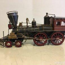 Trenes Escala: ANTIGUA LOCOMOTORA DE TREN DE METAL. Lote 146051482