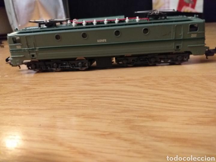 Trenes Escala: Lote de varios trenes, locomotoras, vagones, vías, transformadores casas y figuras. - Foto 10 - 150267466