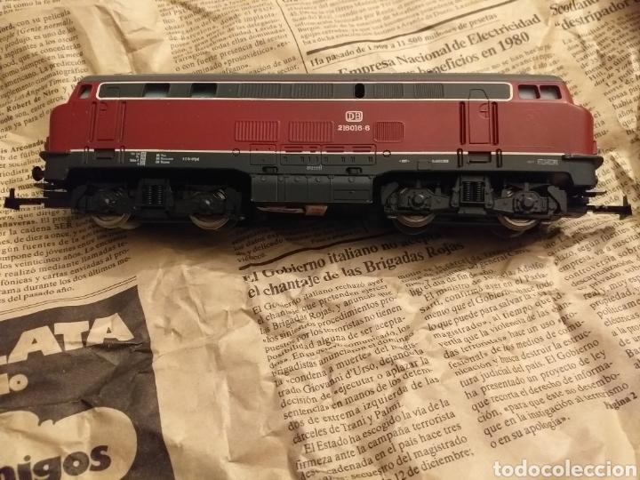 Trenes Escala: Lote de varios trenes, locomotoras, vagones, vías, transformadores casas y figuras. - Foto 41 - 150267466