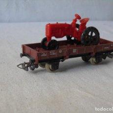 Trenes Escala: VAGON TREN JOUEF CON TRACTOR FARMALL. Lote 150693382