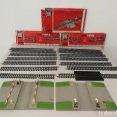 Trenes Escala: LOTE VÍAS PASO A NIVEL H0 JOUEF . Lote 150768558