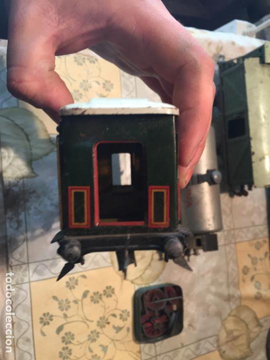Trenes Escala: Antiguos 4 tren / trenes de juguete de varias marcas como paya de los años 40-50 - Foto 9 - 151167978