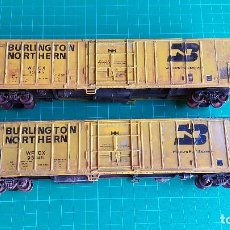 Trenes Escala: WALTHERS LOTE DE 2 VAGONES CERRADOS BURLINGTON NORTHERN ESCALA H0. Lote 152144158