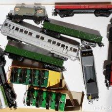 Trenes Escala: BRUTAL LOTE TRENES VARIOS, VAGONES, Y MUCHAS VIAS, DESVIOS Y TRANSFORMADORES MIRAR BIEN LAS FOTOS. Lote 152229162