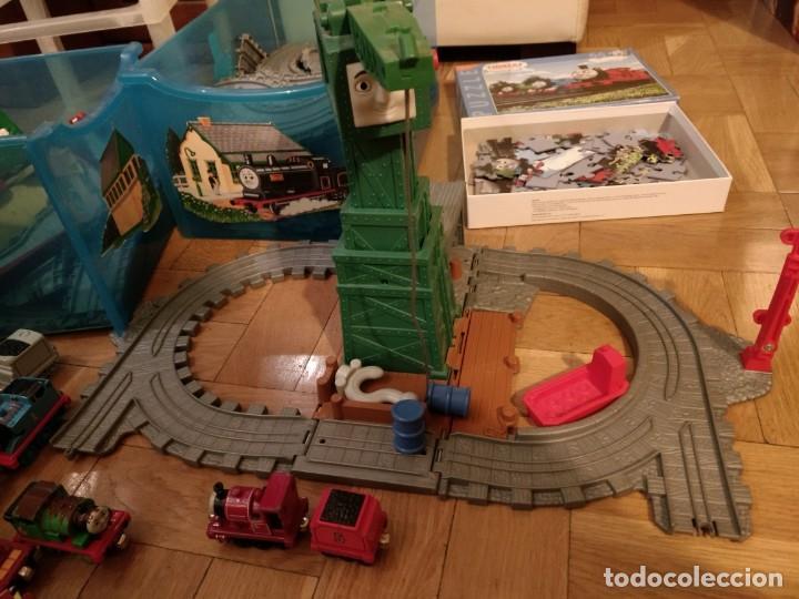 Trenes Escala: Super lote del Tren Thomas: estaciones, trenes, vías, puentes, etc - Foto 3 - 152288198