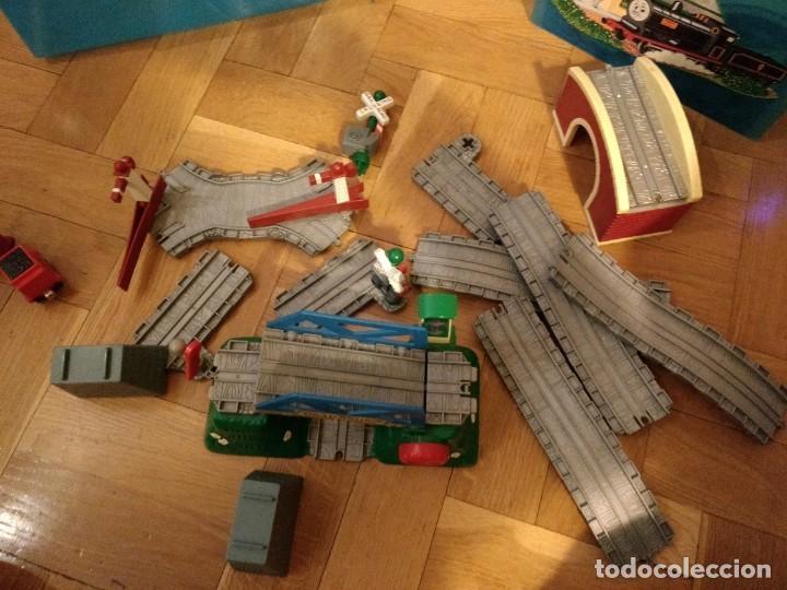 Trenes Escala: Super lote del Tren Thomas: estaciones, trenes, vías, puentes, etc - Foto 5 - 152288198